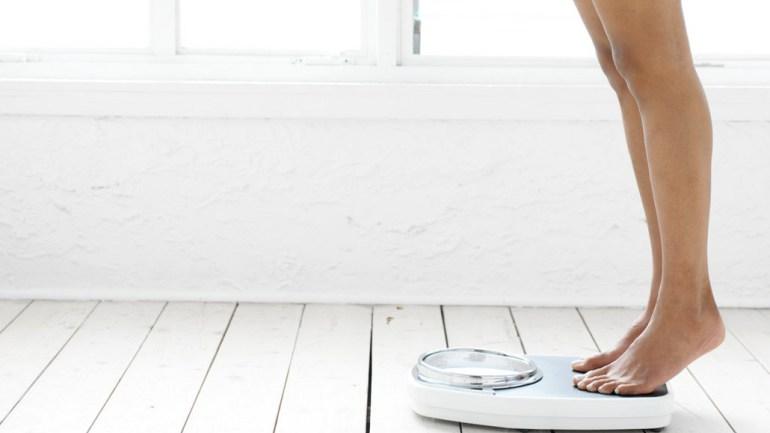 Dit is waarom je gewicht soms schommelt